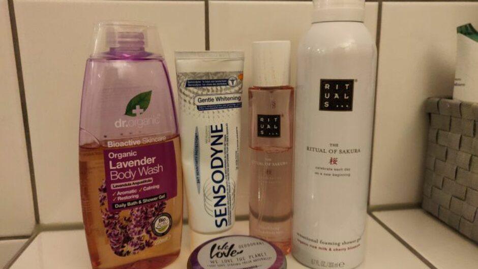 Microplastics in badkamer artikelen